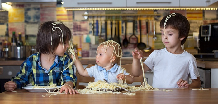 Antiautoritäre Erziehung: Vorteile & Nachteile ( Foto: Shutterstock- _Tomsickova Tatyana )