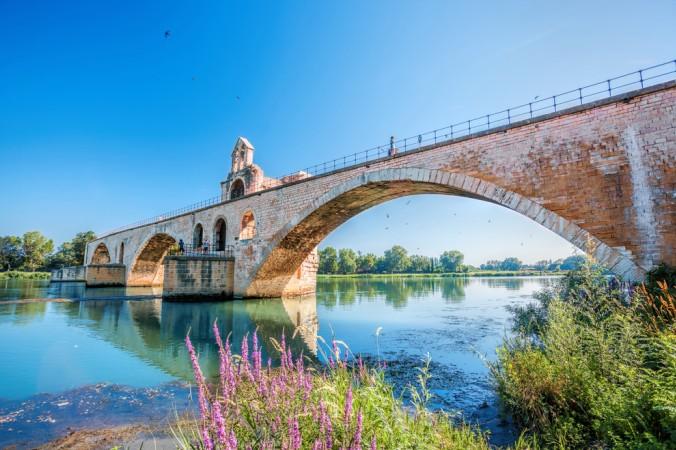 Eine Sehenswürdigkeit die man gesehen haben muss ist die wunderschöne Brücke in Avignon - nicht umsonst ein UNESCO Weltkulturrbe. (#1)