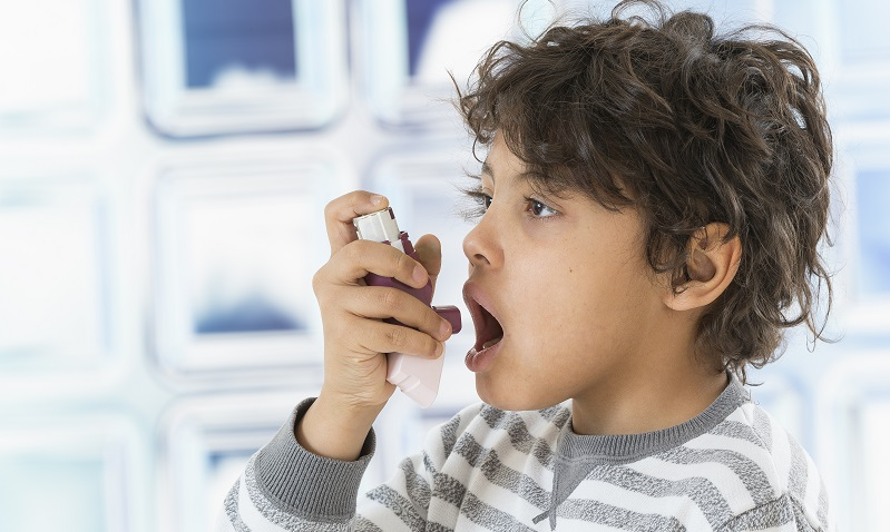 Die KASK ist eine weitere Kommission, die die Gesundheit der Kinder und Jugendlichen durch die Prüfung der Arzneimittelsicherheit schützen soll. ( Foto: Shutterstock- _JPC-PROD )