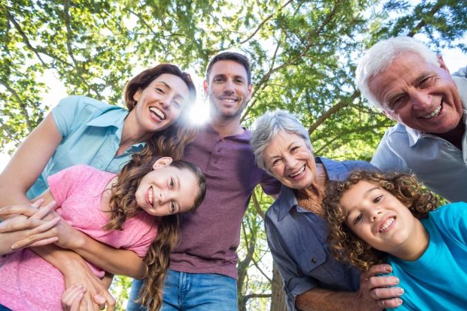 Eine coole Oma ist aber nicht nur für die Enkelkinder da. Sie ist auch ein Bindeglied in der Familie und ein zuverlässiger Ansprechpartner für die Eltern. Eine coole Oma findet immer das richtige Maß und sieht, wo ihre Hilfe gebraucht wird. (#6)
