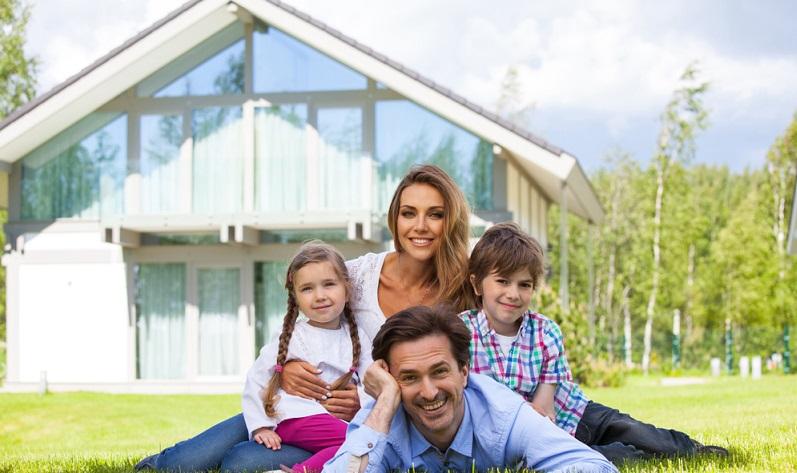 Wer seinen Kredit abbezahlt hat oder das Haus aus Eigenmitteln finanzieren konnte, hat damit einen Vermögensgegenstand erworben, der an die eigenen Kinder vererbt werden kann und zudem eine eigene Sicherheit für das Alter darstellt.