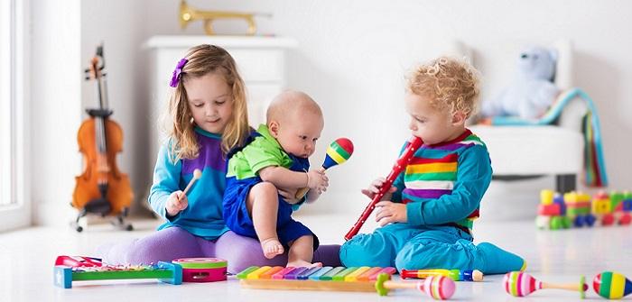 Nützlich, kreativ und persönlich: Das ideale Geschenk für Babys und Kleinkinder