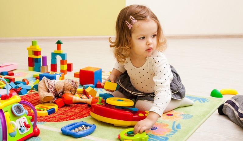 Kleine Kinder sollten nämlich mit allen ihren Sinnen die Welt erforschen und erkunden.