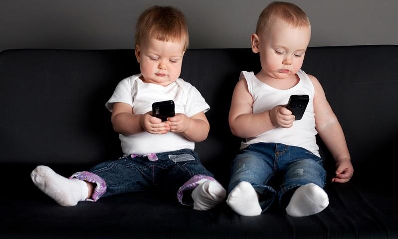 Eltern tun gut daran, beim Kauf des Smartphones die Vernunft walten zu lassen. (Foto: shutterstock -AlohaHawaii )