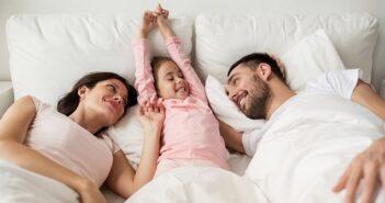 Kinder im Ehebett: Weg mit den Bedenken!