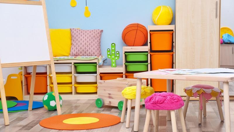 Denken Sie bei der Gestaltung daran, dass die meisten Kinder bunte Farben lieben. Wählen Sie helle Töne wie Hellgrün, Hellblau oder Rosa, auch ein Gelbton wirkt schön warm und angenehm. (#04)