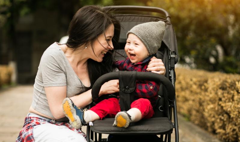 Kinderwagen im Test: Am besten selbst vor dem Kauf einen Test auf Sicherheit und Nutzung durchführen!