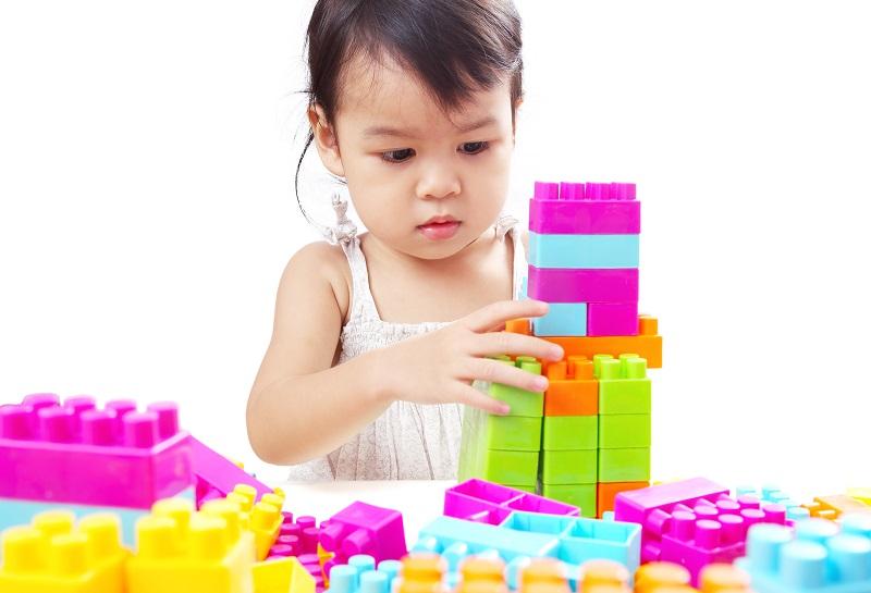 Fakt ist: Mit sauberem Spielzeug spielt es sich deutlich besser und auch die Eltern können beruhigt sein, wenn sich die Kids voller Inbrunst Ihren Lego®-Steinen widmen. (#04)