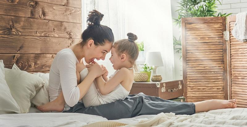 Ein Mutter-Tochter-Konflikt tritt normalerweise nicht ständig auf. Es gibt auch Momente, in denen das Verhältnis gut ist. Diese Momente sollten genossen werden.