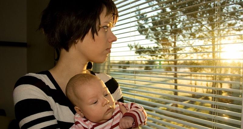 Mütter haben das Gefühl, immer und überall ansprechbar sein zu müssen. Sie gehen davon aus, dass die Emotionen der Kinder an erster Stelle stehen.