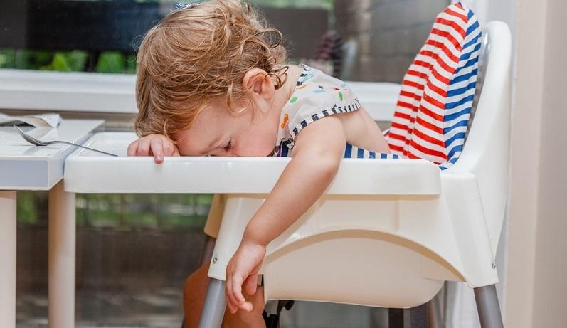 Viele Eltern sind verzweifelt, was die Einschlafprobleme beim eigenen Kind, betreffen.