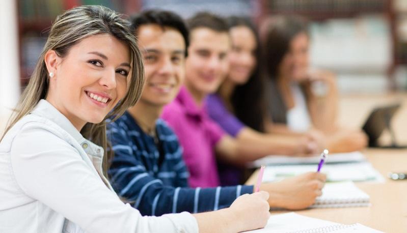 Wenn kein Schulabschluss vorhanden ist, stellt das ein großes Problem dar. Eine erfolgreiche berufliche Karriere ist in diesem Fall ausgesprochen schwierig. (#03)