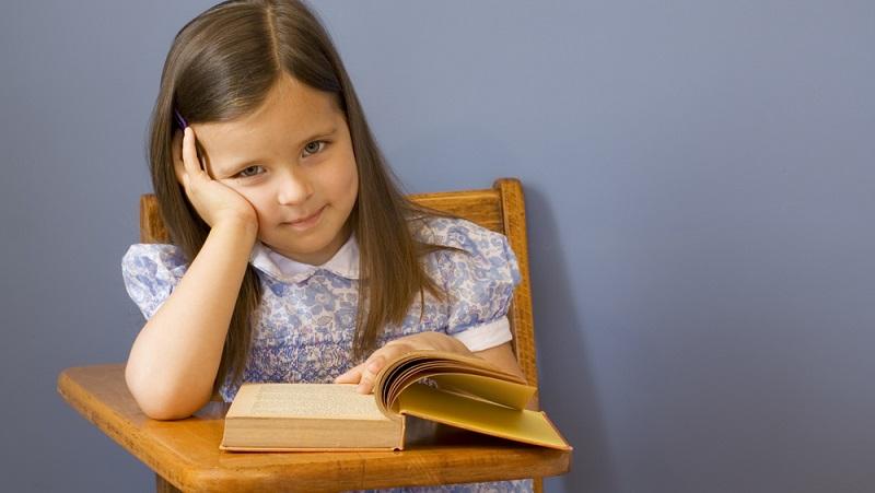 Vor dem Schulbesuch ist es notwendig, einen Schultest zu absolvieren.