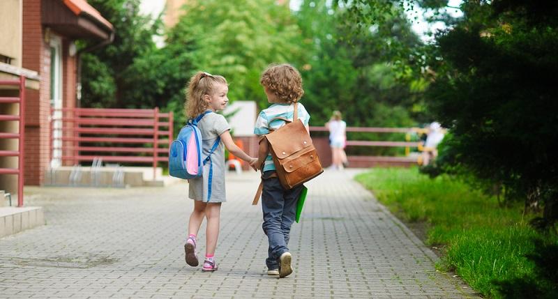 Jedes Jahr werden in Deutschland Hunderttausende Schüler eingeschult.