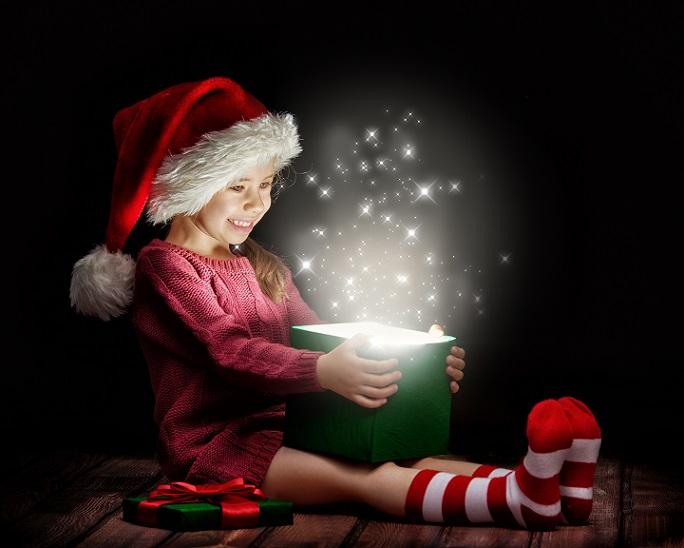 Die Weihnachtszeit ist die Zeit im Jahr, in dem die Uhren ruhiger laufen: Die besinnlichen Tage bieten allerlei Möglichkeiten, um mit den Kids eine wundervolle Zeit zu verbringen und sich wieder einmal vollkommen auf die Familie zu konzentrieren. (#06)