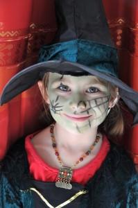 Gruselparty: Skelette, Totenköpfe, Geister und Hexen sind erlaubt. (#02)