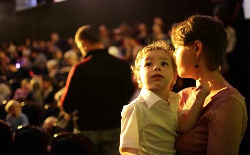 Sicherlich hat Ihr Kind unzählige Fragen und möchte diese beantwortet haben. (#04)